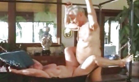 Juicy gái điếm lòng ngực đẹp và chơi xem phim sec thú với gửi ở phía dưới quần trong tình dục, nói chuyện