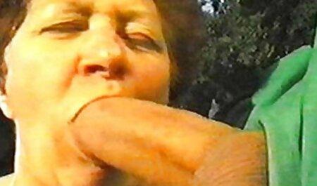 Người đàn ông liếm, tóc và bắt cóc phim sec thu vat nó bị ung thư trên chiếc ghế