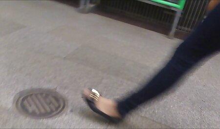Nicole chơi halloween dán phimsec nguoi va thu và ngón tay của cô, âm đạo