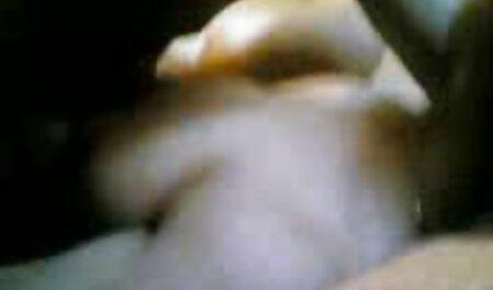 Nhân vật phản diện phim sec cho xé em gái của mình trong âm đạo.